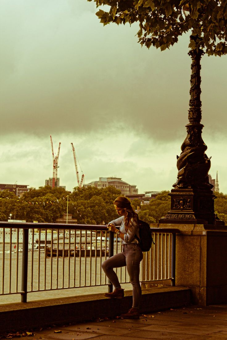https://flic.kr/p/y8w2NQ | The Girl and the Thames | London 2015 © Alessandro Perazzoli
