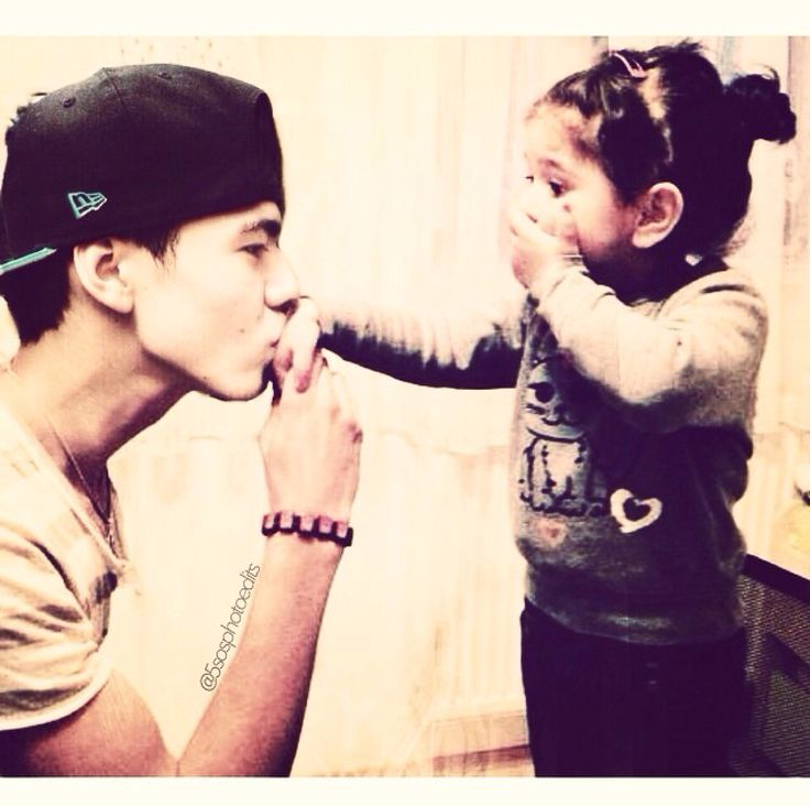 There is literally no cuter picture of Calum Thomas Hood, than this one.