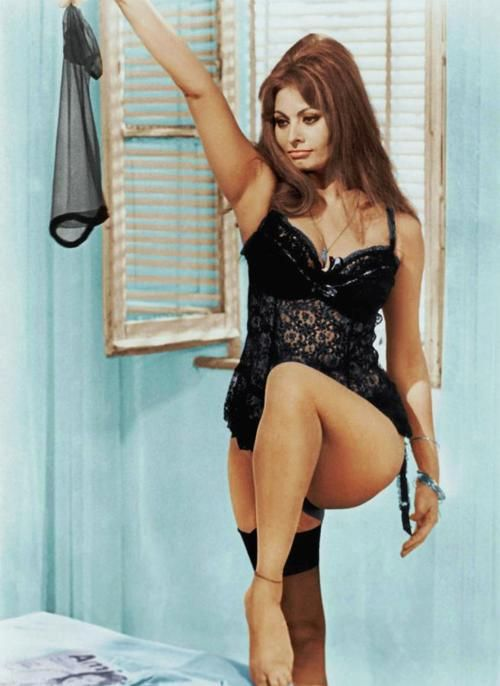 Sophia Loren.. my girl! its okay to have curves, they are beautiful.. especially us italian women!