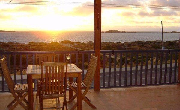 Dream Beach House View, Shoalwater Bay