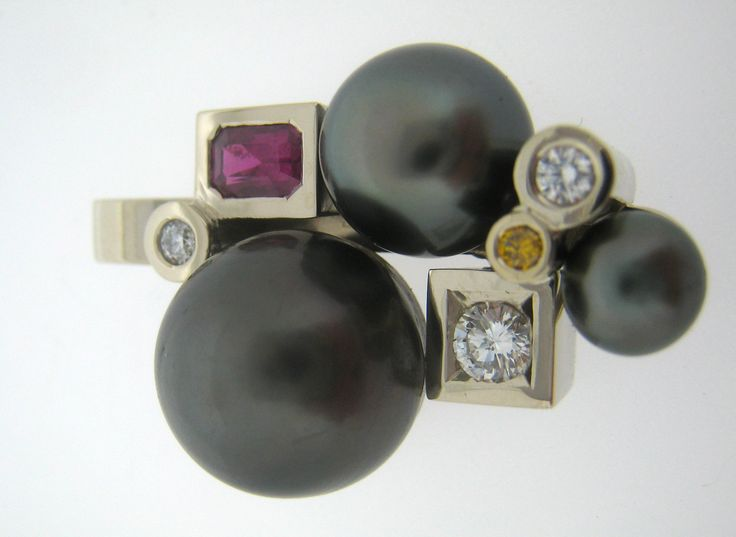 Pendentif cascade perle de tahiti  #tournaire #jewels #jewelry #luxe #perle #pearl #pendentif #pendant