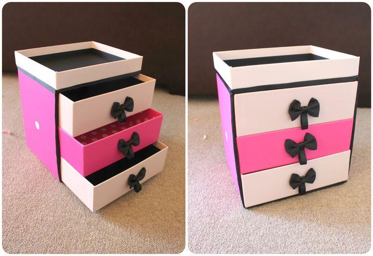 Peachfizzz: DIY: Make Up Storage