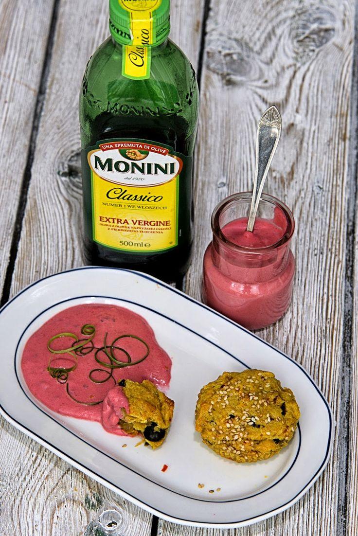 szczypta smaQ: Muffiny Monini, kozi ser i maliny