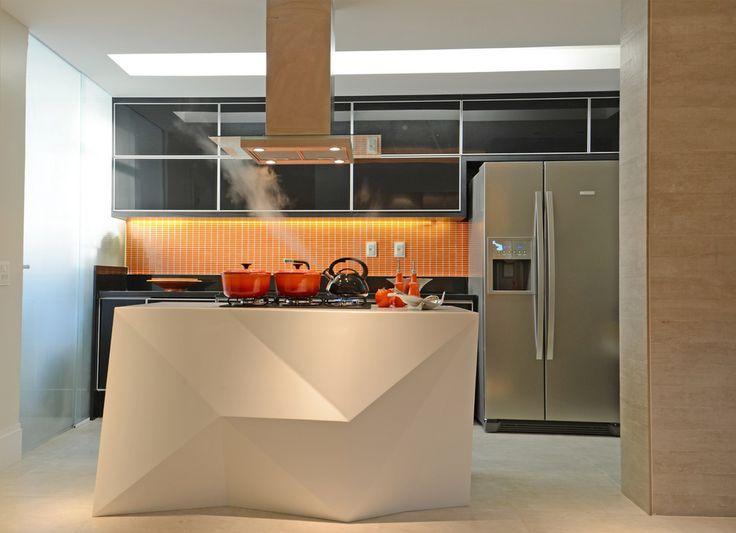 Cozinhas contemporâneas e tecnológicas com ilhas  – veja modelos e dicas!