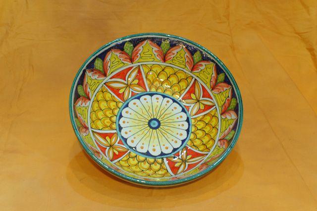 ciotole in ceramica,Ceramiche dipinte a mano,Costiera Amalfitana,terracotta,vasi,orci,piatti,portaombrelli,servizio piatti,decori,Praiano,Positano
