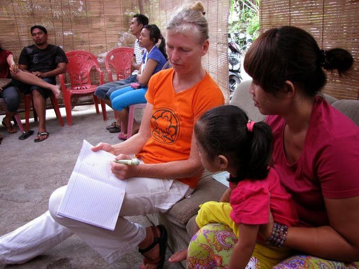 Lovely Dutch physiotherapist Nicolette volunteering at Yayasan Bumi Sehat, Nyuh Kuning, Ubud, Bali, September 2013. Photo by Indounik #BumiSehat #Bali #Dutch #volunteering #voluntourism #physiotherapy
