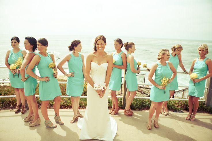 Bruidsmeisjes in zeegroene/aqua jurkjes; mooi voor de zomer!
