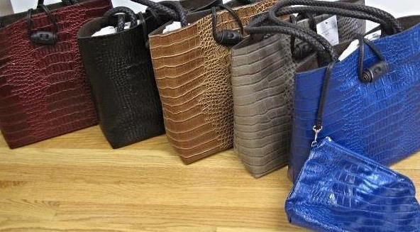 Bag in a Bag! | Mock croc 2 bags in one. Tote with clutchTake you from day to evening | Trudie's Treasures - Ho Ho Kus, NJ