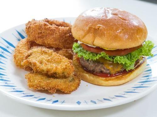 "Cheeseburger with Garlic Mayo (Picture This!) - Trisha Yearwood, ""Trisha's Southern Kitchen"" on the Food Network."