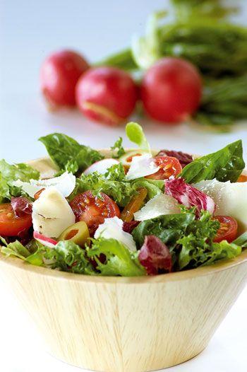 Cómo preparar una ensalada verde mediterránea al estilo de Estampas.