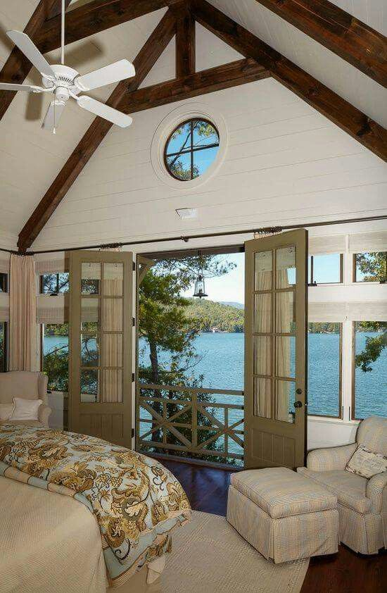 Lake House Bedroom With a Wonderful View