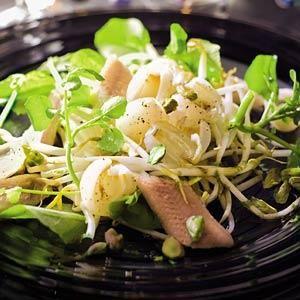 Salade met paling taugé en lychees