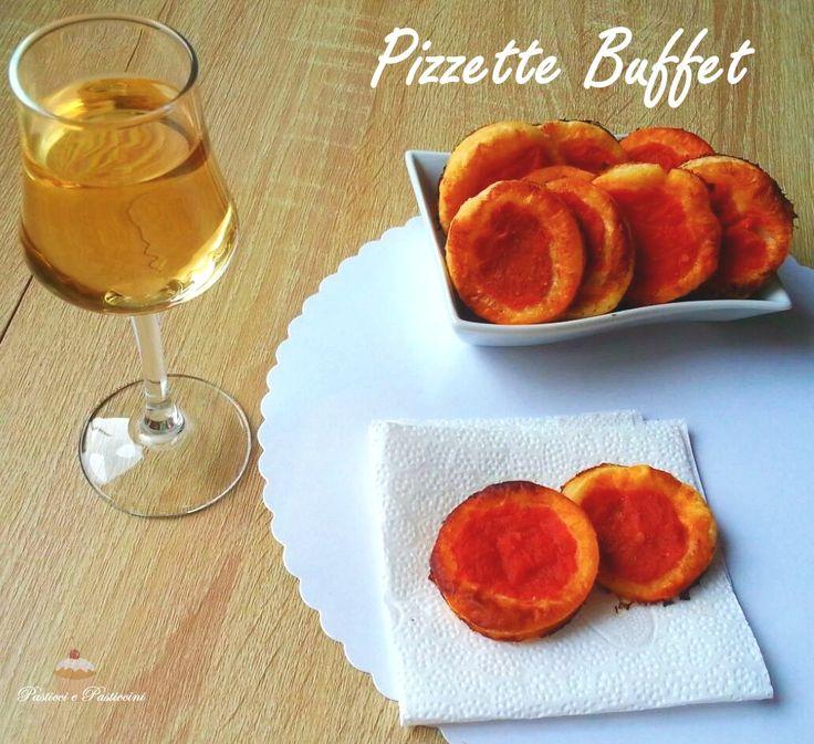 Le Pizzette Buffet sono golose, veloci ed economiche. Immancabili neirinfreschi, ottime da gustare con l'aperitivo ed ideali come piacevole spezza fame in ogni momento della vostra giornata.