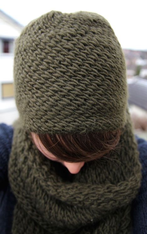 I love this stitch. It's a basket weave knitted in the round.