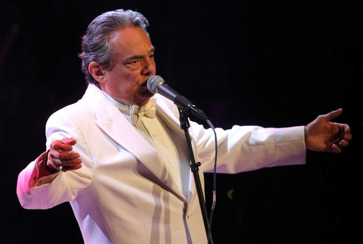 Redes dieron por muerto a cantante mexicano José José