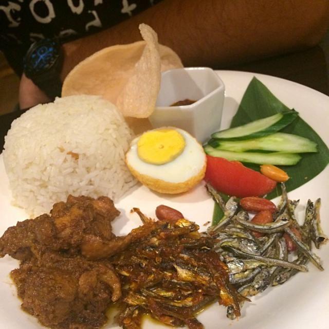 レシピとお料理がひらめくSnapDish - 3件のもぐもぐ - Nasi Lemak & chicken rendang by Nur Izmira
