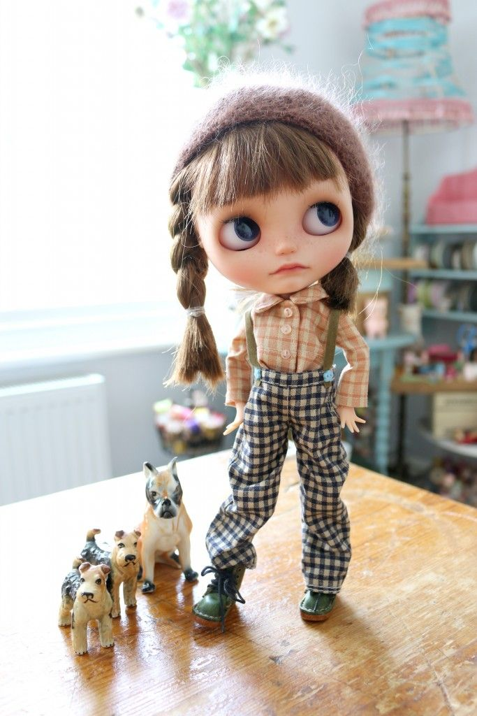 blythe single women Editor's note - please join us in welcoming our new writer, pat blythe to the dbawis bullpen and home for chatty pop culturalists pat takes over wednesdays for our much missed nadia elkharadly and joins roxanne in bringing some badly needed estrogen-fueled verbiage to our hallowed hallsand to help roxanne keep us male.