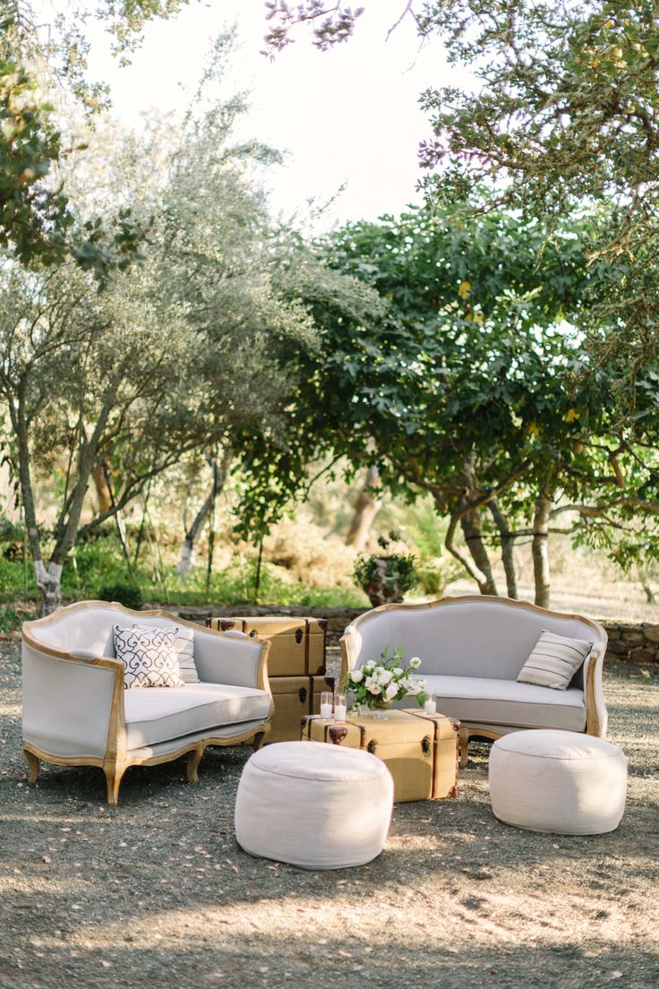 La Tavola Fine Linen Rental: Tuscany Natural Bean Bags | Photography: The Edges Wedding Photography, Event Planning & Design: Vibrant Events, Floral Design: La Fleuriste