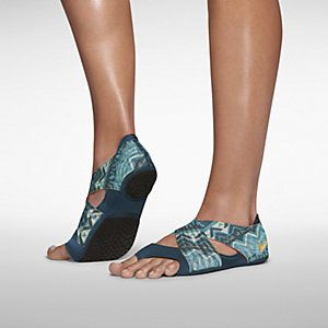 Nike Studio Wrap 3 Women's Training Shoe. Nike Store.  other colors.  60$