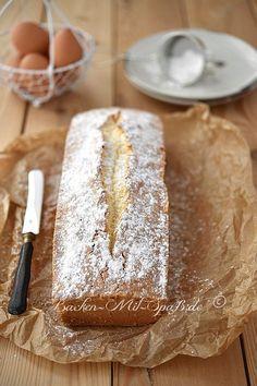 Ein klassischer Sandkuchen nach Großmutters Art. Der Kuchen schmeckt sehr gut, ist sehr fein, locker aber eher trocken. Das Rezept...