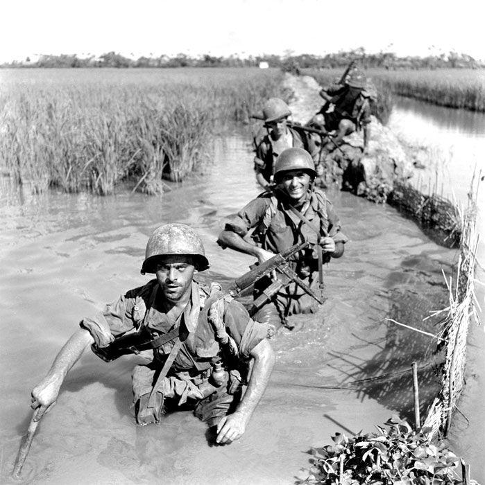 """Cette opération de """"nettoyage"""" (élimination de l'adversaire dans une région donnée) a lieu dans le Bui Chu, le 10 octobre 1953 ; le I/2e  REI (1er bataillon du 2e Régiment Étranger d'Infanterie) y prend part."""