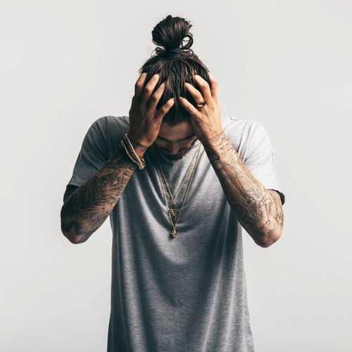 Afbeelding via We Heart It https://weheartit.com/entry/161275800 #black #casual #hair #ink #men #model #style #tattoo