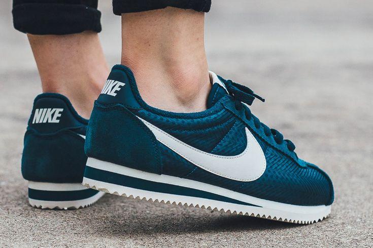 Nike Classic Cortez Textile Wmns – Midnight Turquoise / Sail