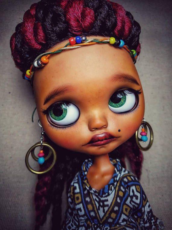 Guarda questo articolo nel mio negozio Etsy https://www.etsy.com/it/listing/572237193/ooak-customed-factory-blythe-doll-nena