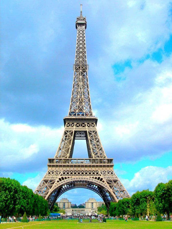 139 best amazing places images on pinterest beautiful for Places to stay near eiffel tower