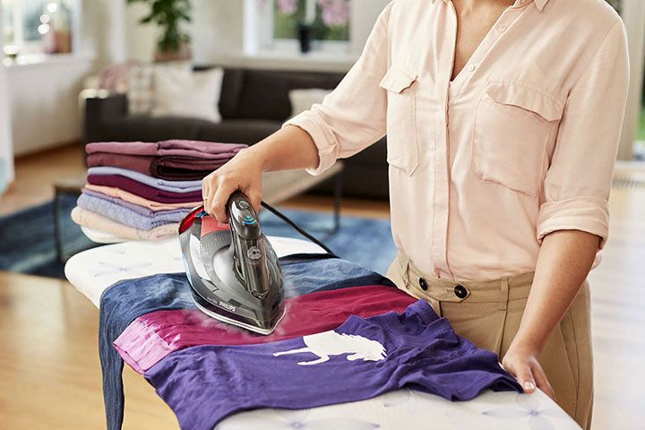 افضل مكواة بخار يدويه للمنزل تعتبر مكواة الملابس من اهم الأدوات التي لا يخلو منها أي بيت و تحتاجها كل سيدة و بفضل التطور الع Appliances Home Appliances Home
