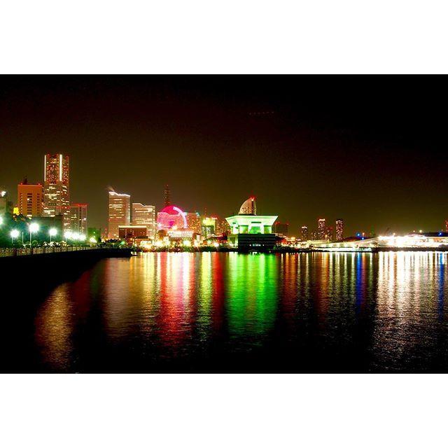 Instagram【shoooya1】さんの写真をピンしています。 《一日一枚。 #カメラ#写真#一眼レフ#デジタル一眼#オリンパス#単焦点#単焦点レンズ#カメラ好きな人と繋がりたい#写真好きな人と繋がりたい#横浜#みなとみらい#山下公園#夜景#camera#photo#singlelensreflexcamera#OLYMPUS#orympus#OMD#omd#EM5#em5#singlefocus#yokohama》