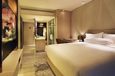 Luxury boutique hotel in Singapore which offers personalized service to make the guest stay unforgettable. Near City Hall MRT, close to best shopping malls in Singapore.