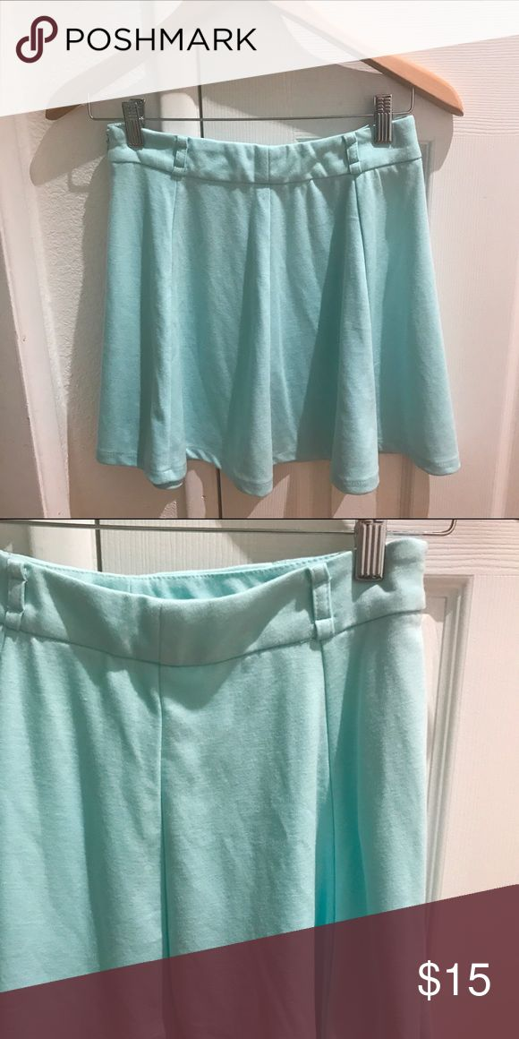 Forever 21 Mint green skirt Mint skirt cute winter color pairs well with light sweaters never worn Forever 21 Skirts Mini