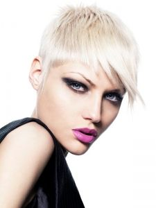 Pictures : Short Hairstyles - Lovely Super-Short Hair Style