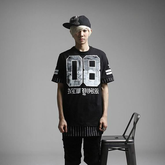 K-POP Men's Fashion Style Store [TOMSYTLE]  08 New York Short-sleeve T / Price : 37.83 USD #dailylook #dailyfashion #casuallook #tops #Tshirt #TEE #skinnypants #TOMSTYLE #OOTD  http://en.tomstyle.net/