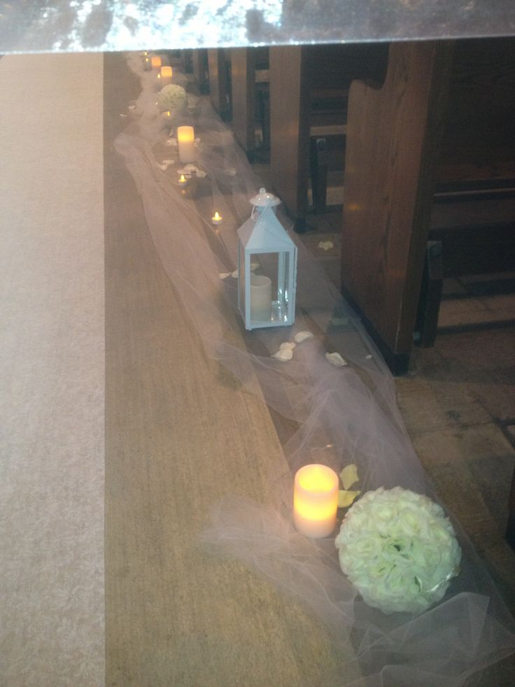 Tuile, roses balls, electric candle and lanterns