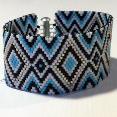 Bracelet bleu et argenté tissage peyote en perles miyuki