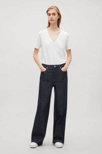 COS image 1 of Relaxed wide-leg jeans in Navy