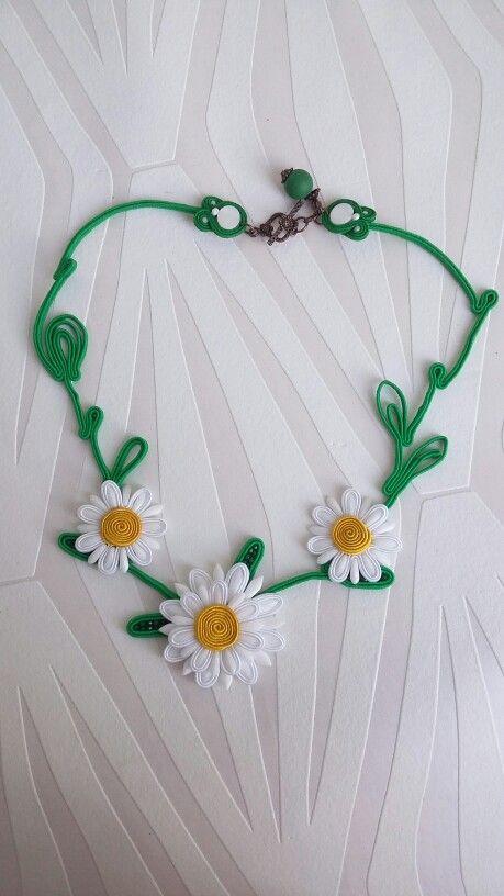 Voglia di primavera, collana s outache con le margherite