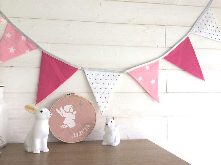 Guirlande de fanions pour les petites princesses, tons roses : Décoration pour enfants par fesse-de-rat