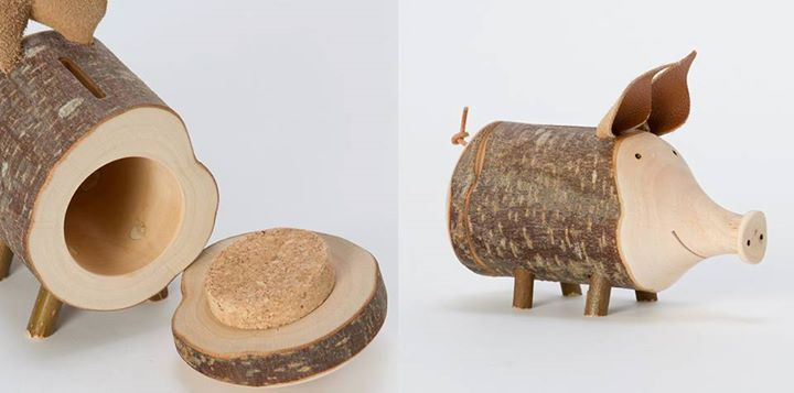 Homemade Piggy Bank #Christmasideas  #xmaspresents  #diyxmaspresents  #diywoodworking  #woodworking  #woodworkingplans  #woodworkingprojects  #diywoodworkingideas  #diyprojects