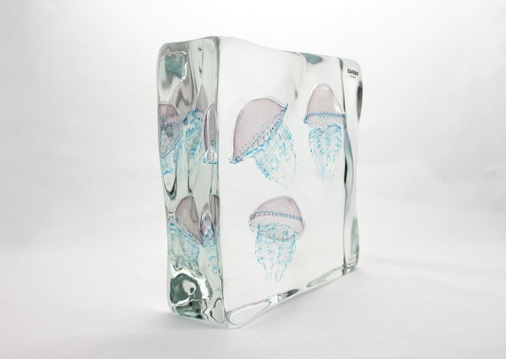 Glass Element with Three Medusa (Rose) H230 x W230 x D80 mm
