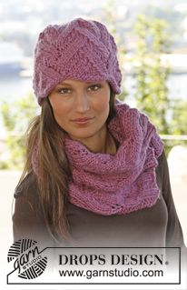 Knitted DROPS hat and neck warmer with lace pattern - Drops Andes