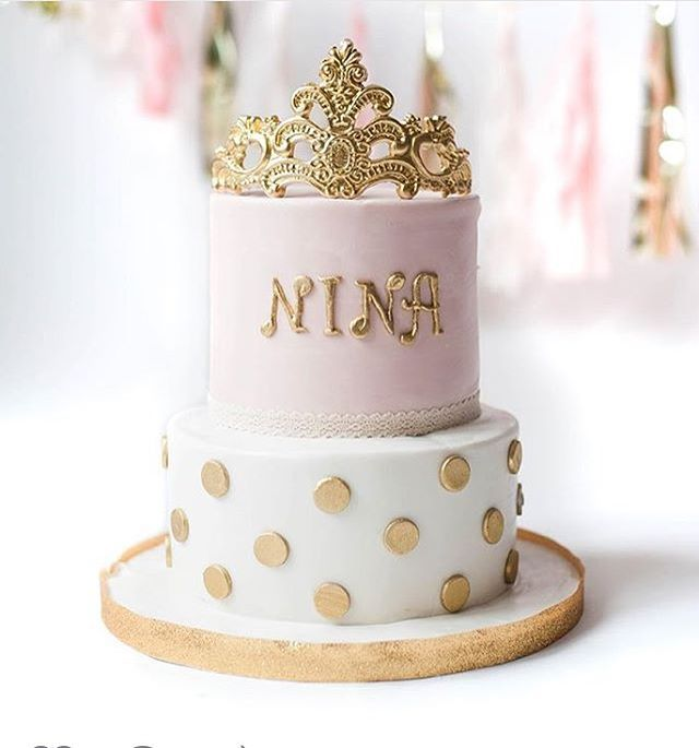 How Cute Is This Cake For A Little Girls Cake Smash Photo Shoot Love