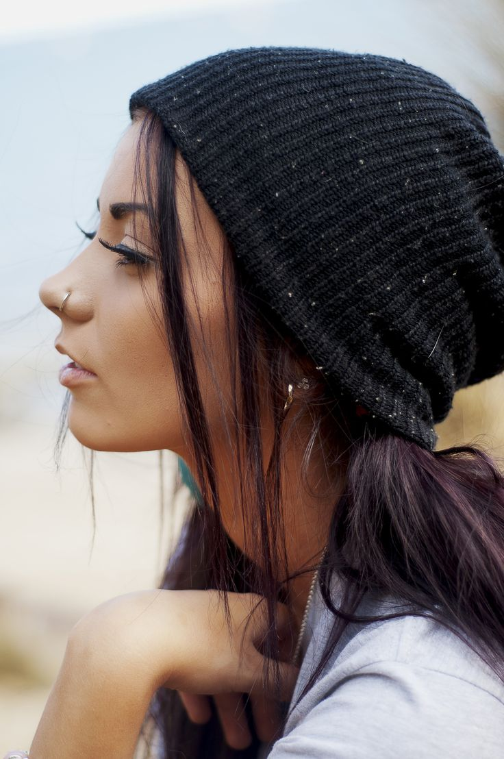color.: Long Eyelashes, Nose Piercing, Hoop Nose Rings, Violets Hair, Fashion Style, Nose Hoop, Cute Nose Rings, Beanie Hats, Hair Color
