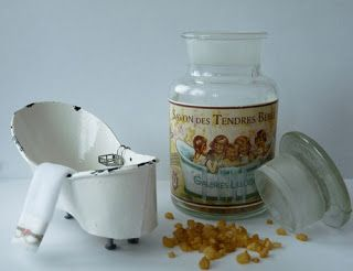 """How to make a """"Old enamel"""" bath of paper for the dollhouse scale 1:12"""