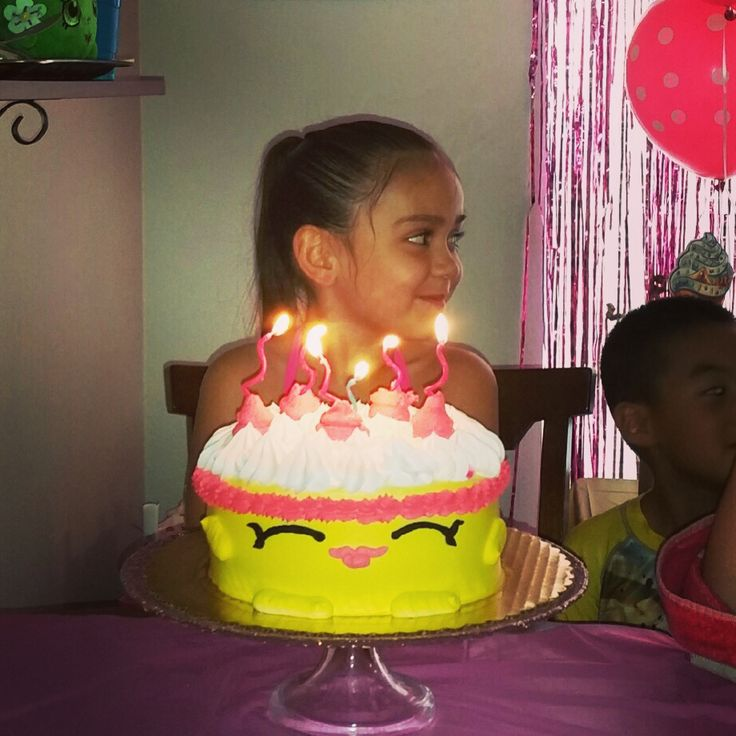 Shopkins Pin The Candle On Wishes Cake