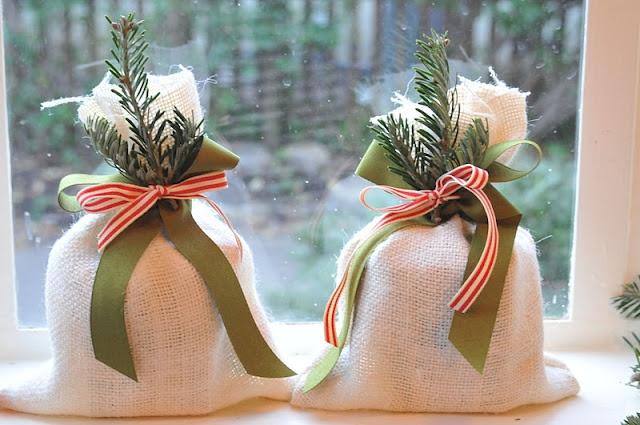 Teacher gifts: NINE + SIXTEENChristmas Gift Ideas, Gift Bags, Teacher Gifts, Christmas Favors, Teachers Gift, Bulbs Kits, Trader Joe, Christmas Wraps, Christmas Wrapping