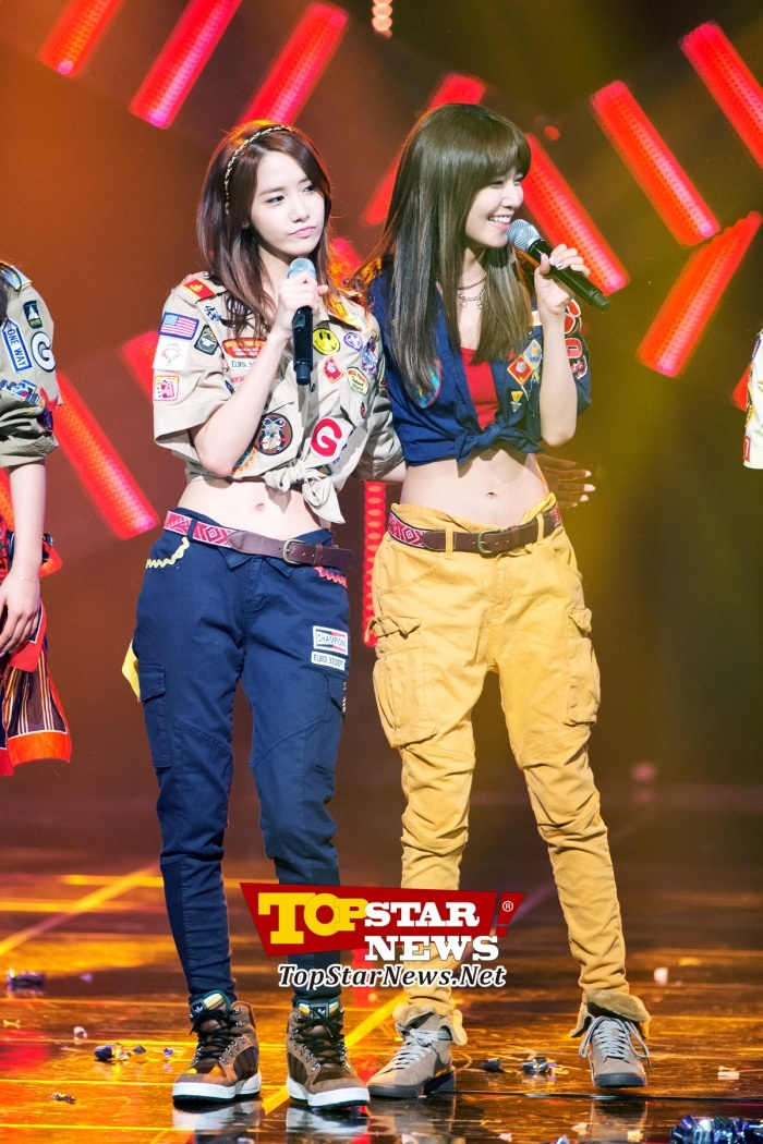 Girls' Generation's YoonA-Soo Young, 'Slim waistlines'…Mnet M! Countdown [KPOP PHOTO]