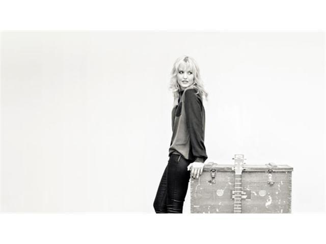 Geniet donderdag 9 oktober 2014 van Leonie Meijers schitterende stem in de kleine zaal van Theater Zuidplein. In een try-out van haar theaterdebuut 'Luister maar Liv
